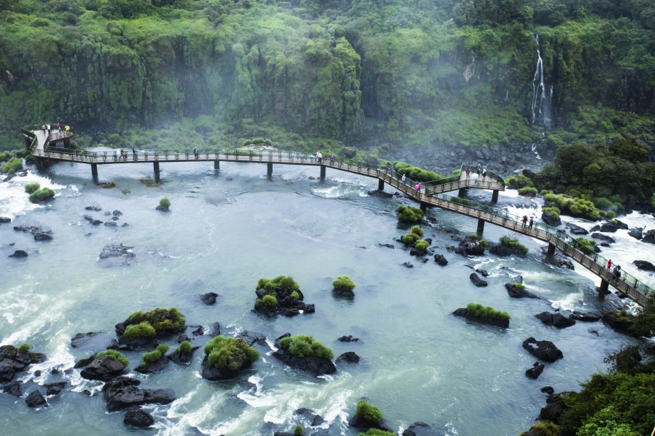 водопады-игуасу-бразилия