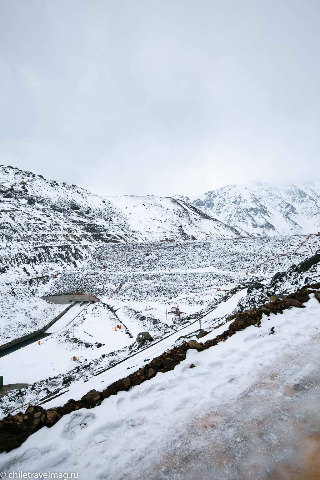 Горное водохранилище в Андах Чили18